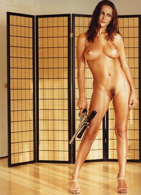 ... picture 142 kb; Naked girls shooting guns