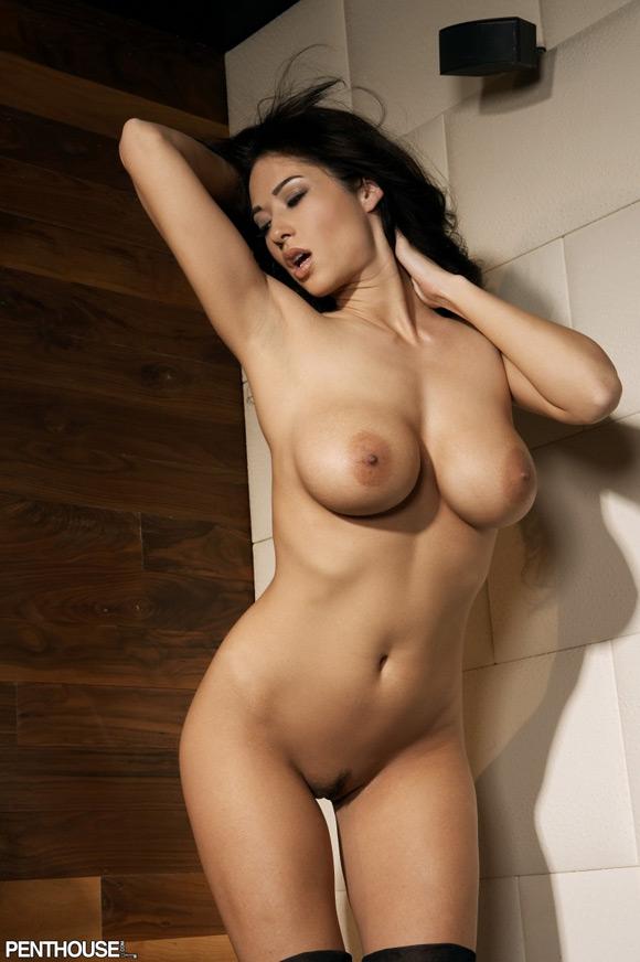 kimberly-williams-naked-penthouse-girl-2