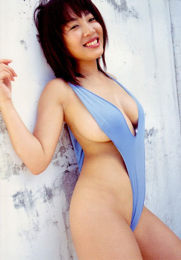 megumi-kagurazaka-naked-asian-gravure-model-2