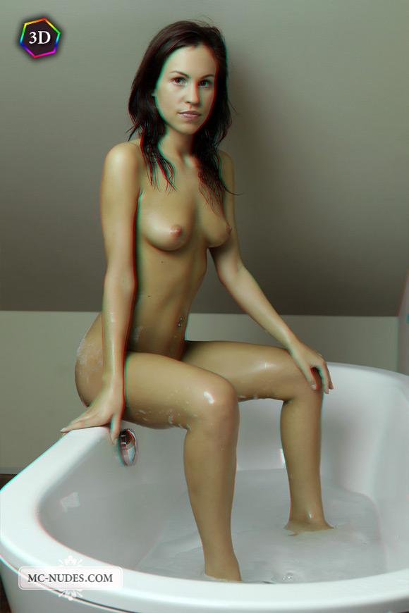 sensual-naked-beauty-taking-a-bath