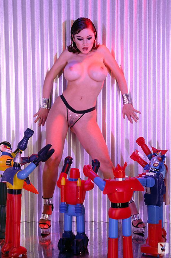 sara-alvarado-playboy-playmate-girl-naked