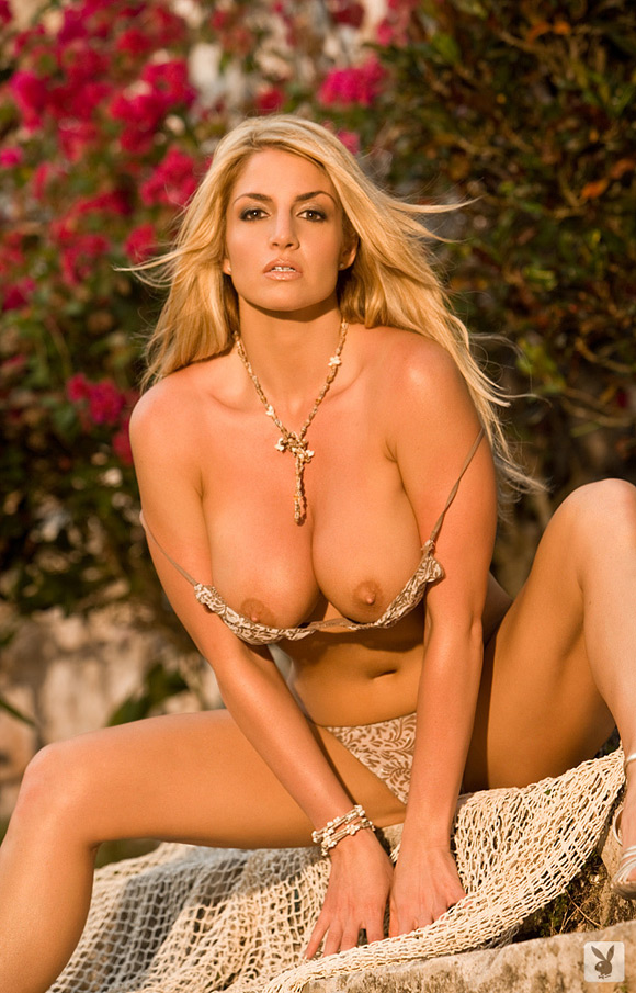 breann-mcgregor-playboy-playmate-girl-naked
