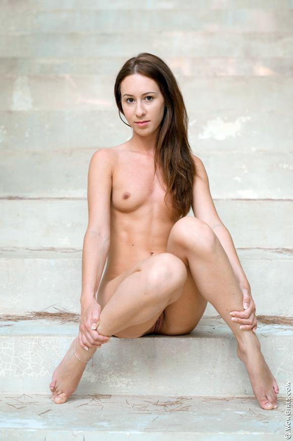 petite-liala-posing-naked