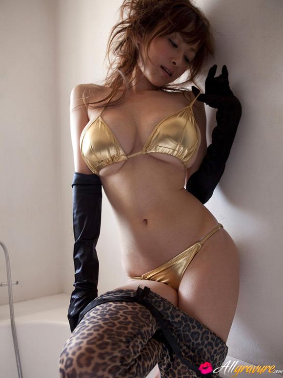 anri-sugihara-naked-asian-gravure-model