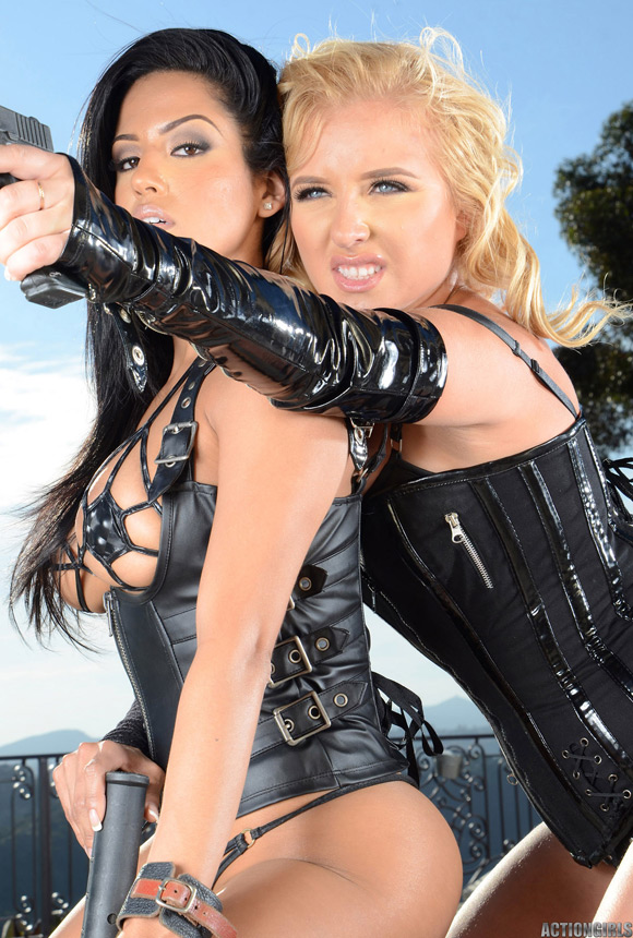 naked-action-girl-jessica-marie-in-a-game-for-two