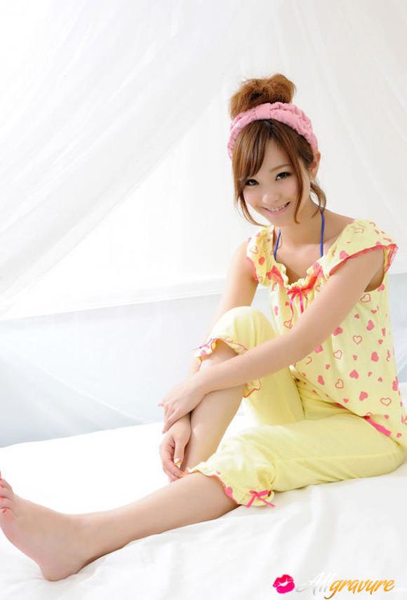 ichika-nishimura-naked-asian-gravure-model