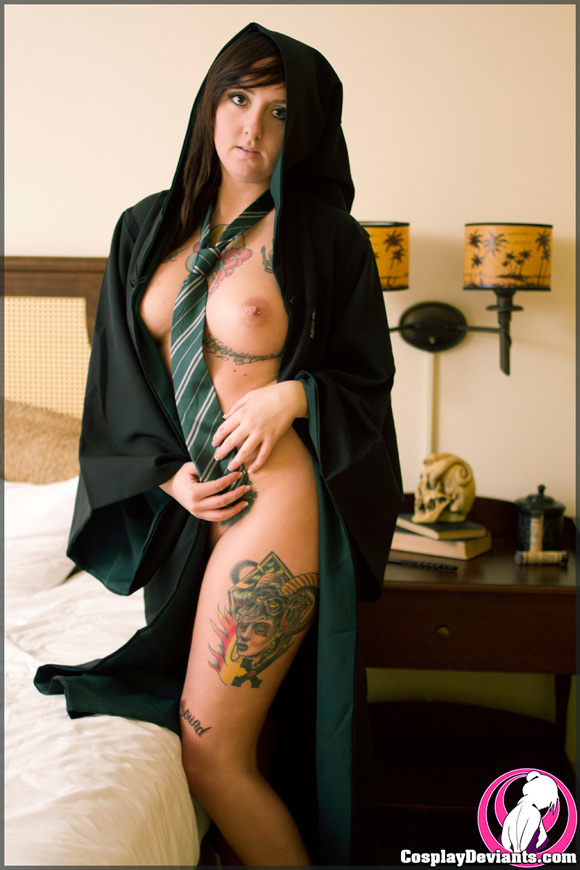 wahya-hard-faced-naked-cosplay-deviant