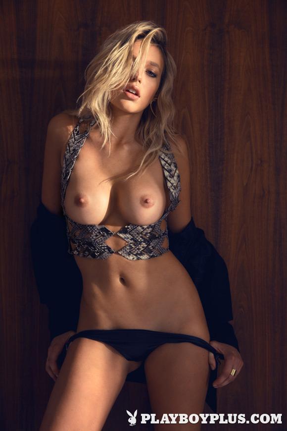 monica-sims-playboy-playmate-girl-naked