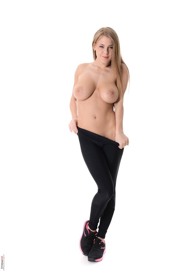 viola-in-midnight-run-naked-virtuagirl