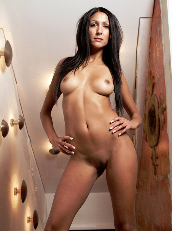 Full Body Naked Dark Haired Girl