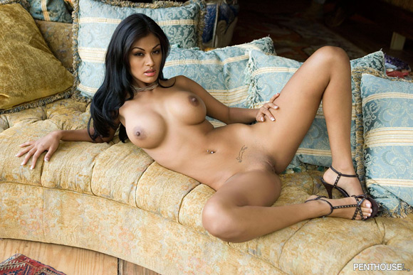 carmen-reyes-naked-penthouse-girl-4