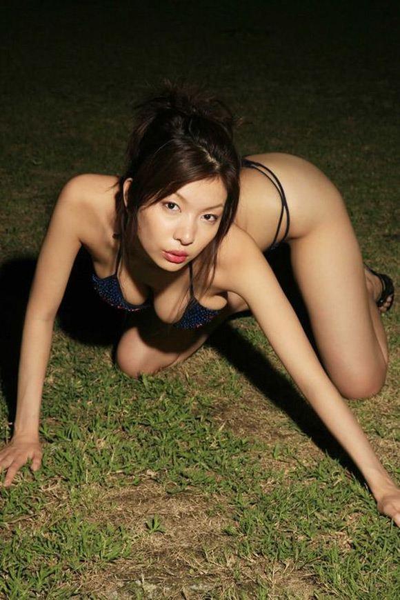 ai-maehara-naked-asian-gravure-model