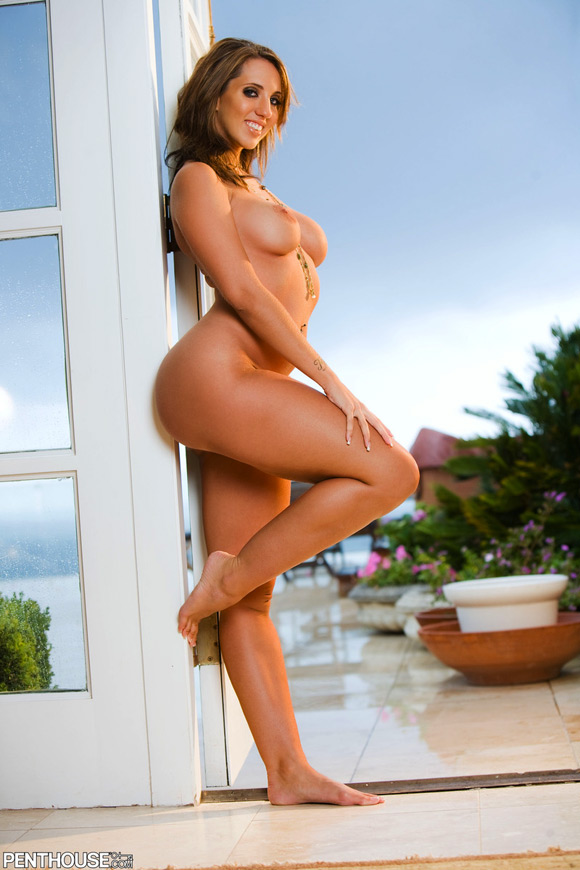 kelly-divine-naked-penthouse-girl