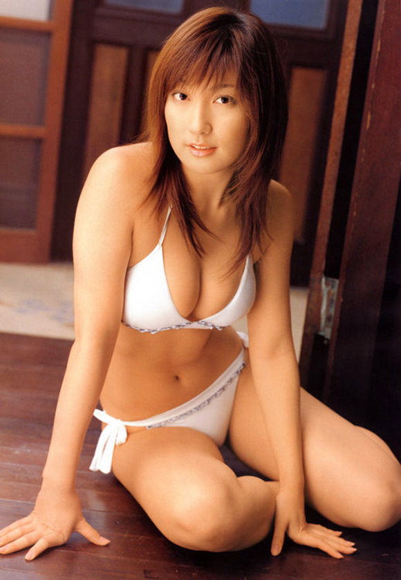 misako-yasuda-naked-asian-gravure-model-15