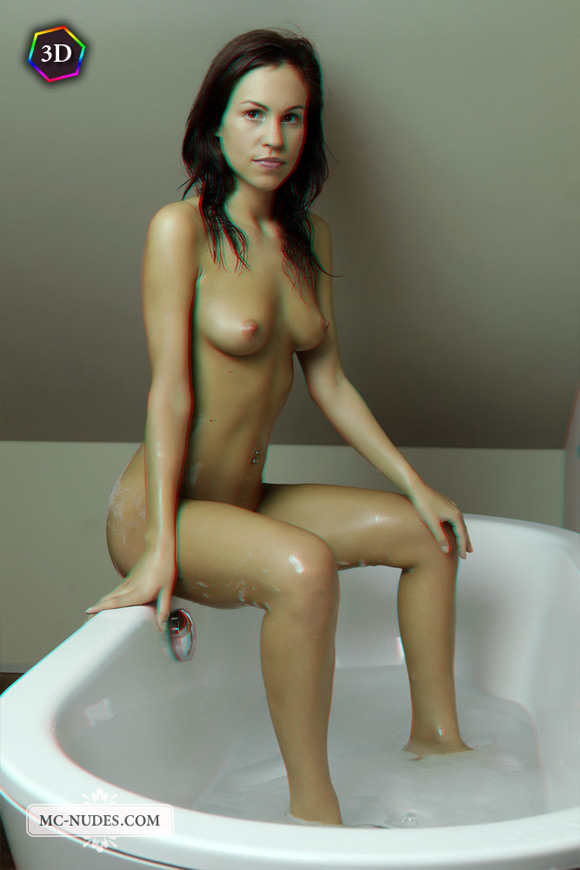 sensual-naked-beauty-taking-a-bath