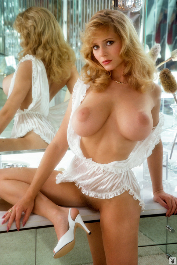 linda-vaughn-playboy-playmate-girl-naked