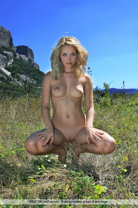 tinna-in-country-girl