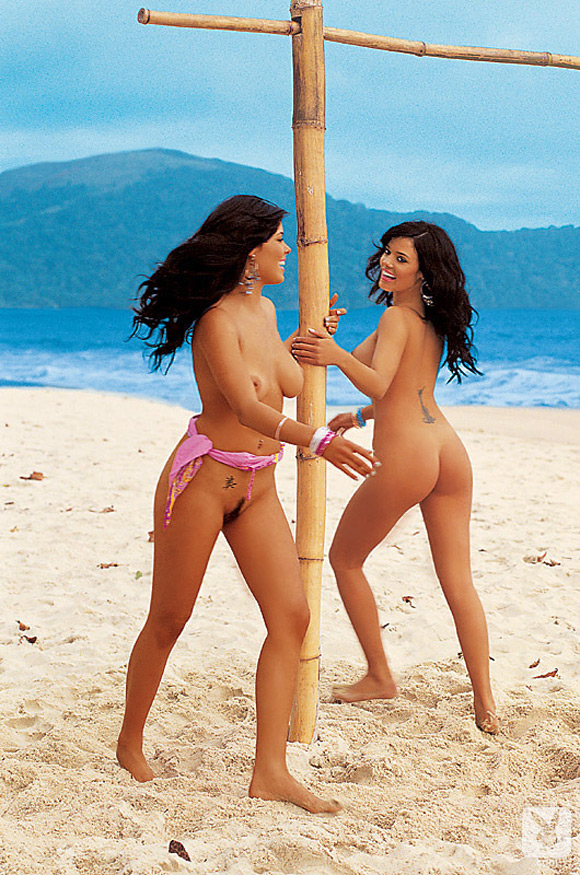 the-teles-twins-playboy-playmate-girl-naked
