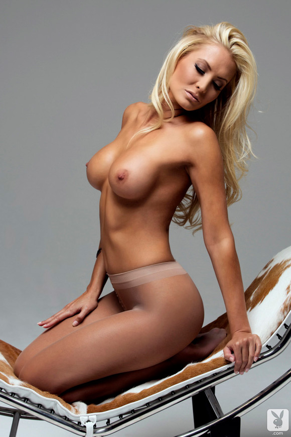 jennifer-vaughn-playboy-playmate-girl-naked