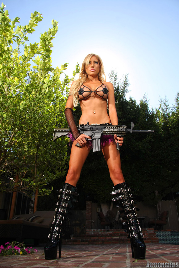 naked-action-girl-jewels-as-a-new-recruit