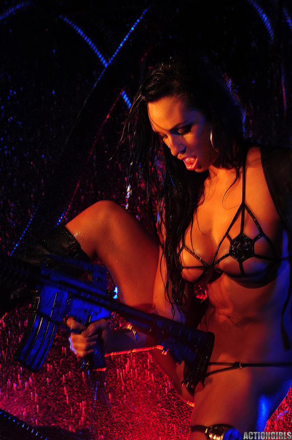 naked-action-girl-rosie-in-sci-fi-action