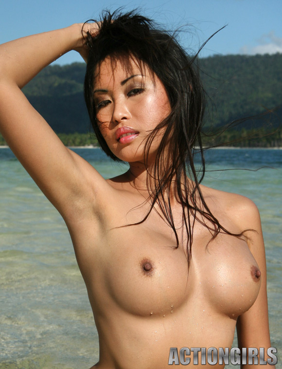 naked-action-girl-asian-in-exotic-beauty