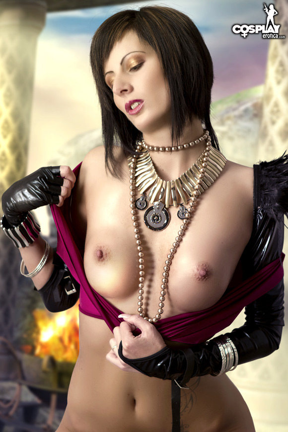 morrigan-from-dragon-age-naked-cosplay