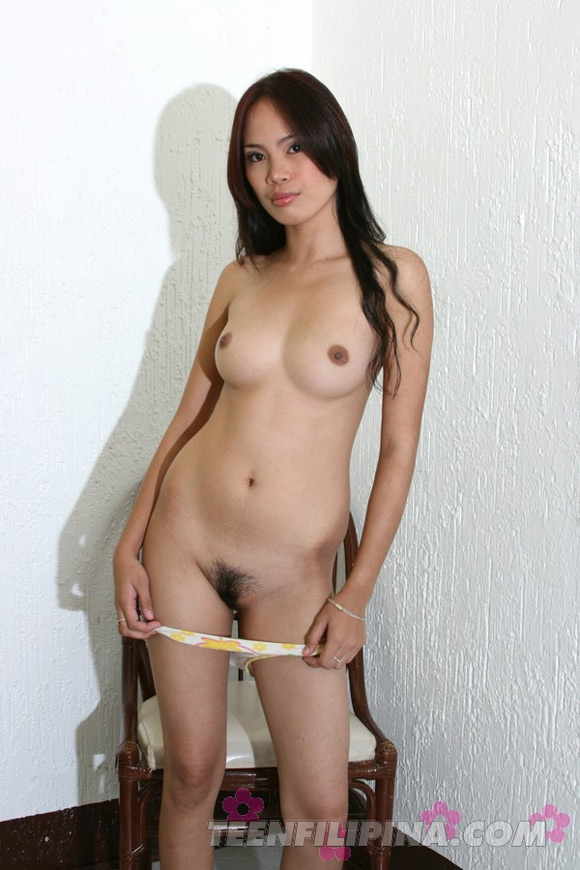nude-filipina-babe-jane-has-a-body-that-she-just-cant-hide