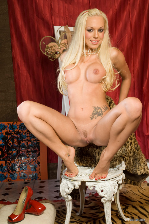 naked-action-girl-fellicia-in-getting-it-done