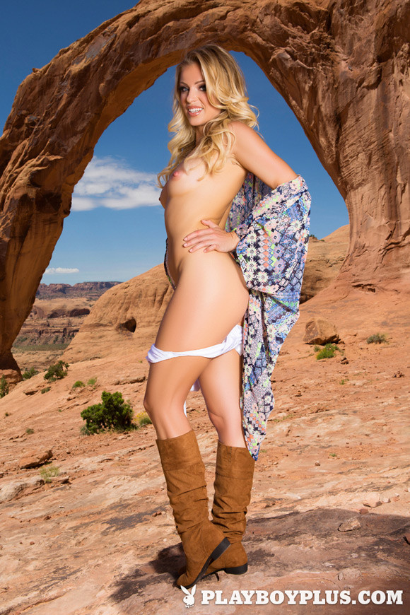 blanca-brooke-playboy-playmate-girl-naked