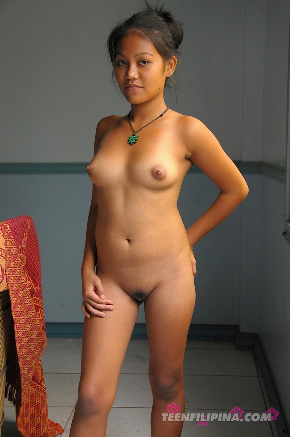 cute-young-filipina-girl-gets-it-on-with-her-boy-friend