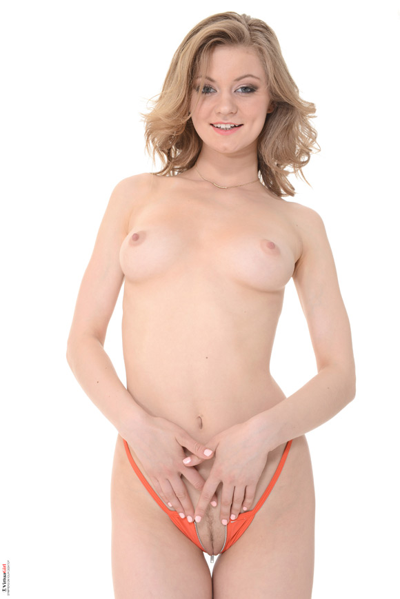 merry-pie-in-orange-blossom-naked-virtuagirl